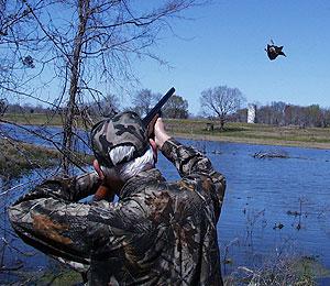 Весенняя охота на глухаря, Охотник